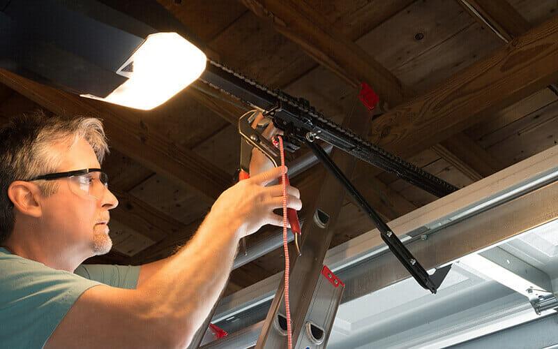 liftmaster garage door opener repair service technician